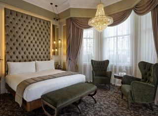 100 Queen's Gate Hotel London - Curio Collection by Hilton - Suite Bedroom (NCN)