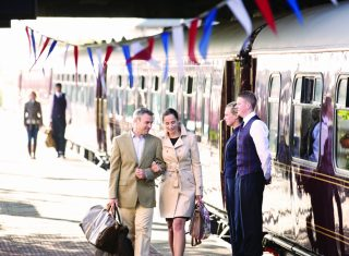 Belmond Royal Scotsman - Couple on platform ©Matt Hind