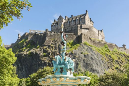 Edinburgh, Scotland - Edinburgh Castle and the Ross Fountain in Princes Street Gardens © VisitScotland, Kenny La