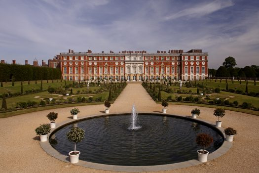 Hampton Court, London, Taxi Tour