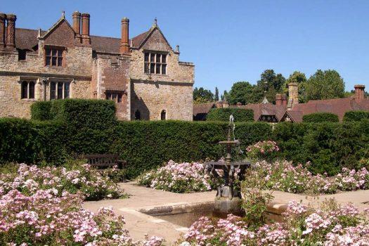 Hever Castle Tudor Gardens ©VisitKent
