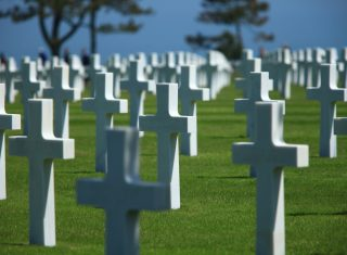 American Cemetery at Colleville-sur-Mer where almost 9,300 American soldiers who died in the Battle of Normandy during World War II are buried (20169118) © Atout France, Franck Charel