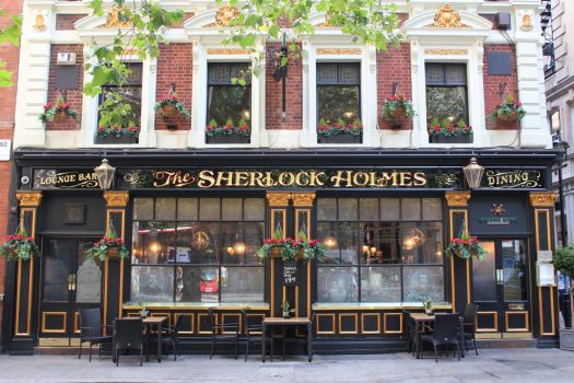 Sherlock Holmes Pub ©Brit Movie Tours
