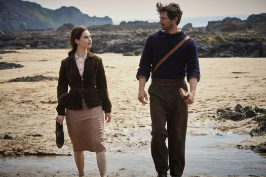 The Guernsey Literary and Potato Peel Pie Society film still (02) © STUDIOCANAL S.A.S