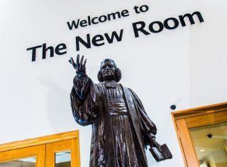 The New Room (John Wesley's Chapel), Bristol - Statue of John Wesley in The New Room